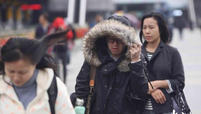 寒潮袭鲁,降温降水大风一个都不少,山东多地延长供暖