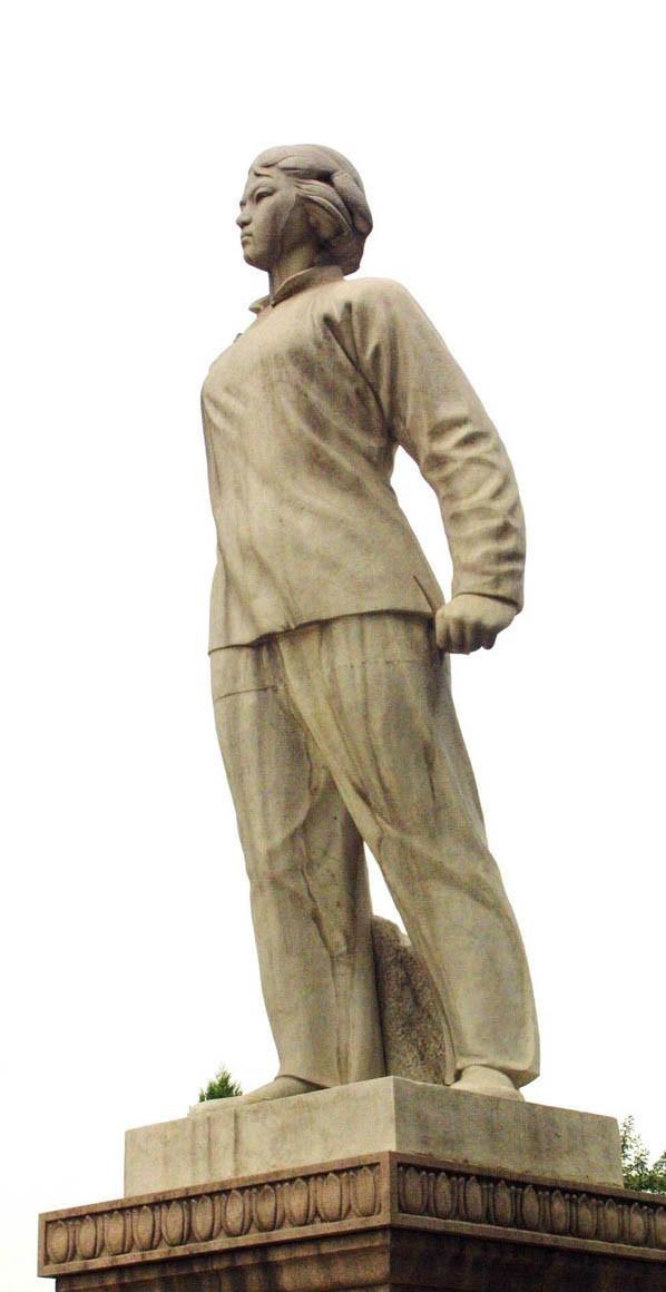 刘胡兰雕像
